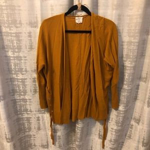 HIPPIE ROSE   Mustard-Colored Sweater